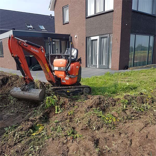 minigraver huren groningen, graafmachine huren met machinist Groningen